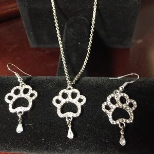 Paw print necklace and earrings set